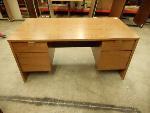 Lot: 1654 - Wooden Desk