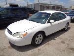 Lot: 2-102595 - 2003 Ford Taurus