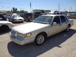 Lot: 15-102565 - 1997 Lincoln Town Car