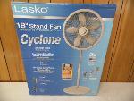 Lot: A5936 - Lasko 18-in Stand Fan