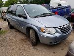 Lot: 2 - 2006 CHRYSLER TOWN AND COUNTRY VAN