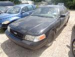 Lot: 3-43829 - 2001 Ford Crown Victoria