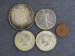 Lot: 3323 - 1921 MORGAN DOLLAR & 1919-S LIBERTY HALF