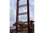 Lot: 181 - Little Giant 32' Extention Ladder