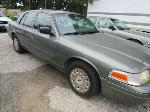 Lot: 9 - 2003 FORD CROWN VICTORIA