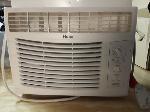 Lot: E265 - WINDOW AIR CONDITIONER