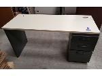 Lot: 1954 - Formica / Metal Desk