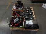 Lot: 37 - Assorted Radios & Radio Parts