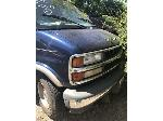 Lot: 33 - 2000 CHEVROLET EXPRESS VAN
