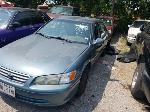 Lot: 40 - 2000 TOYOTA CAMRY
