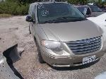 Lot: 370 - 2005 CHRYSLER TOWN & COUNTRY VAN
