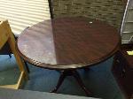 Lot: 23.PU - Table, (2) Desks & Glass Tops