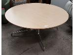 Lot: 2003 - Wood Table
