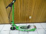 Lot: A6164 - Working Razor E20 Electric Scooter