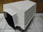 Lot: A6180 - Rubbermaid Large Dog House