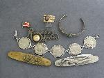 Lot: 3791 - 14K MEN'S RING & (2) POCKET KNIVES
