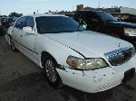 Lot: 29-907565 - 2004 LINCOLN TOWN CAR