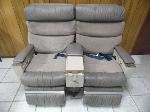 Lot: A6229 - Leather Reclining First Class Air Plane Seats