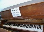 Lot: 402 - YAMAHA PIANO