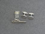 Lot: 3907 - CUFFLINK, TIE CLIP & 14K RING