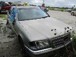 Lot: 08 - 1999 Mercedes C230 Kompressor