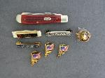 Lot: 4061 - POCKET KNIFE, LAPEL PINS & 10K CLASS RING