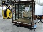 Lot: 18-060 - Display Case