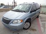 Lot: 21-115458 - 2006 Chrysler Town And Country Van