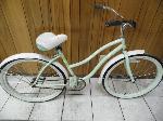 Lot: A6601 - Huffy Classic Style Adult Bike