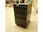 Lot: 2504 - Short Metal Filing Cabinet