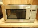 Lot: 2515 - GE Microwave