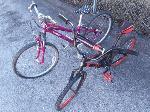 Lot: E658 - (2) BICYCLES