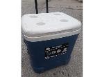 Lot: E665 - ICE CUBE COOLER