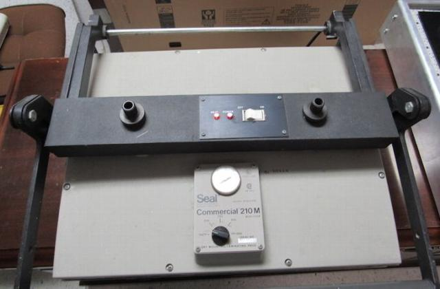 LSO Auctions - Lot: 51-092 - Commercial Dry Laminating Press