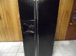 Lot: A6718 - Working GE Black Side by Side Refrigerator