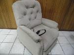 Lot: A6727 - Lazyboy Lift Chair