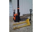 Lot: 024 - Presto Forklift & Pallet Jack