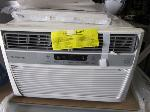 Lot: E751 - WINDOW AIR CONDITIONER