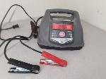 Lot: E761 - BATTERY CHARGER