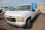 Lot: 50015.FHPD - 1999 GMC SIERRA C2500 PICKUP