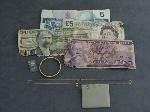 Lot: 5165 - 10K RING, 10K EARRING & NECKLACE SET & FOREIGN BILLS