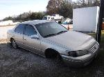 Lot: 54 - 1998 Toyota Camry