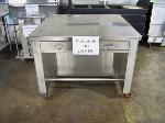 Lot: CNS359 - STAINLESS STEEL COUNTERTOP ON WHEELS