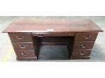 Lot: 02-20425 - Desk