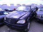 Lot: 52 - 2000 Mercedes-Benz ML430