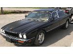 Lot: 02 - 1996 Jaguar Vander Plaus
