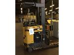 Lot: 5777 - Cat Stand Up Lift