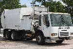 Lot: 09 - 2007 American Solid Waste Truck
