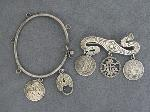 Lot: 5293 - STERLING PIN WITH LOVE TOKENS & SILVER BRACELET