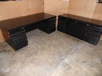 Lot: A7054 - L Shape Desk and Credenza